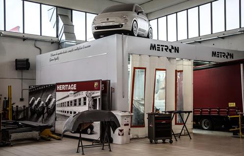 Foto interno struttura della carrozzeria My Lady di Nichelino (TO)